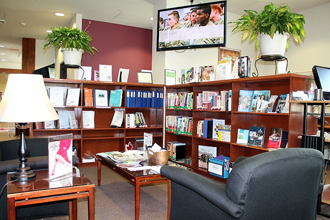 image of sitting area in career resource center